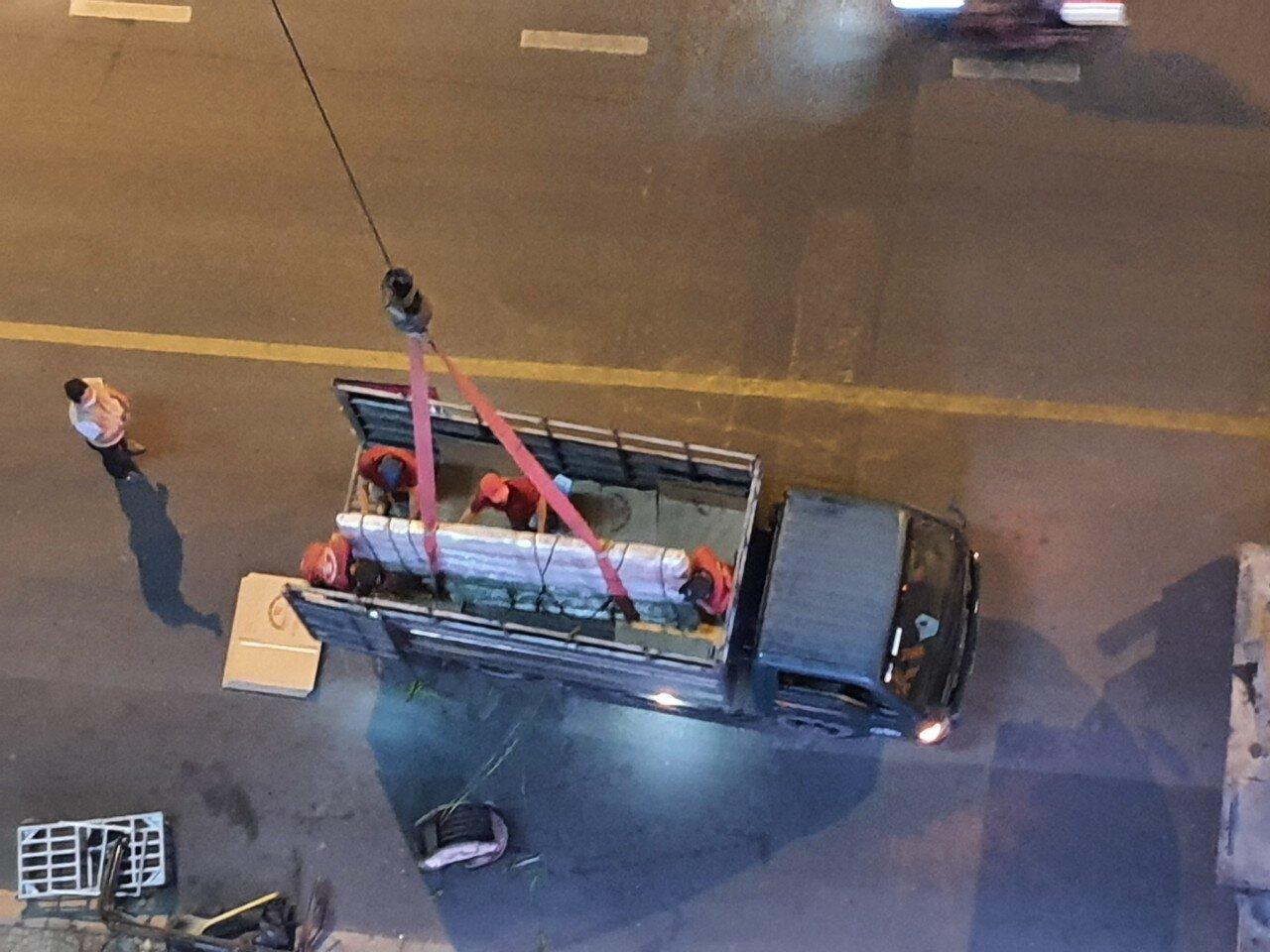 Phải dùng xe cẩu chuyên dụng để vận chuyển
