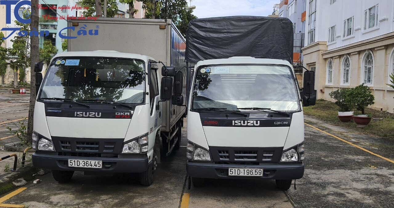 Xe tải chở hàng 2 tấn