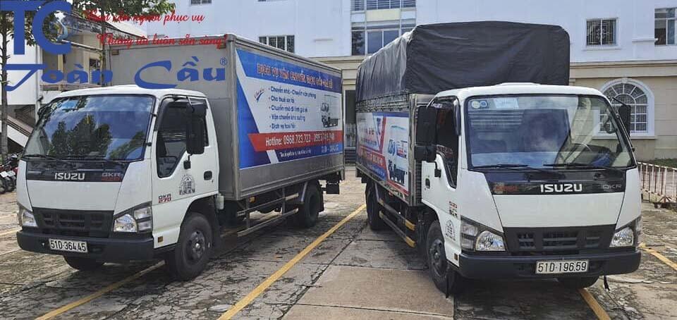 Xe tải chở hàng đa dạng